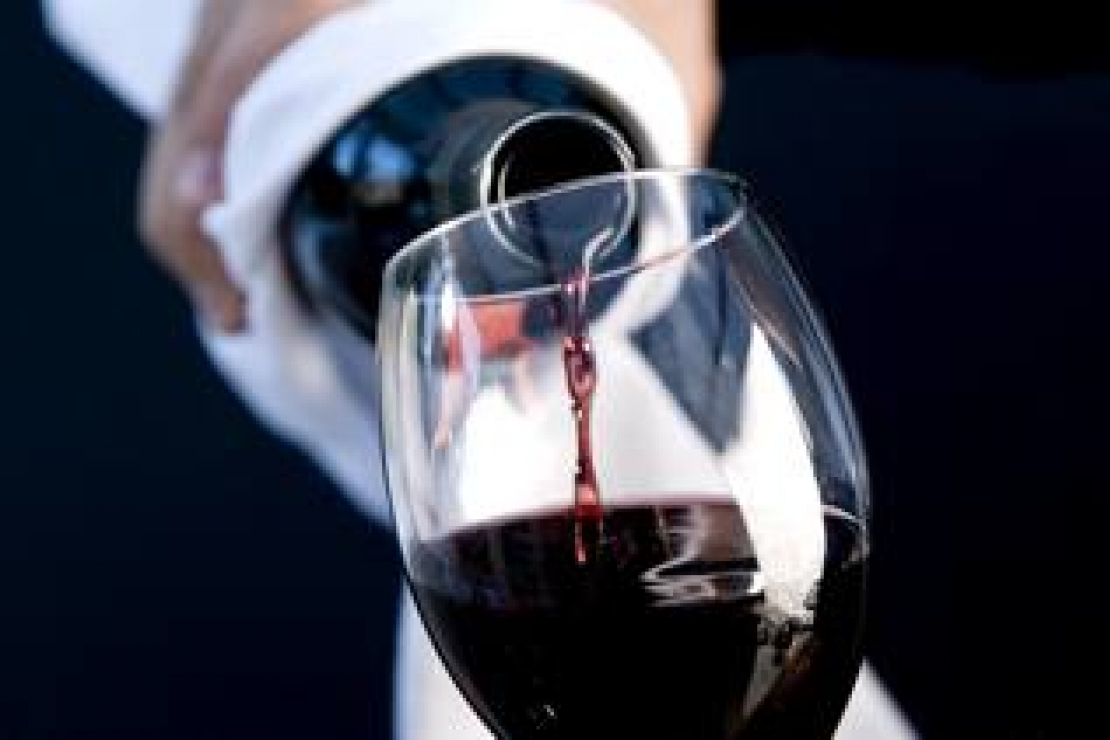 Lounge Bar a Milano cerca sommelier professionista