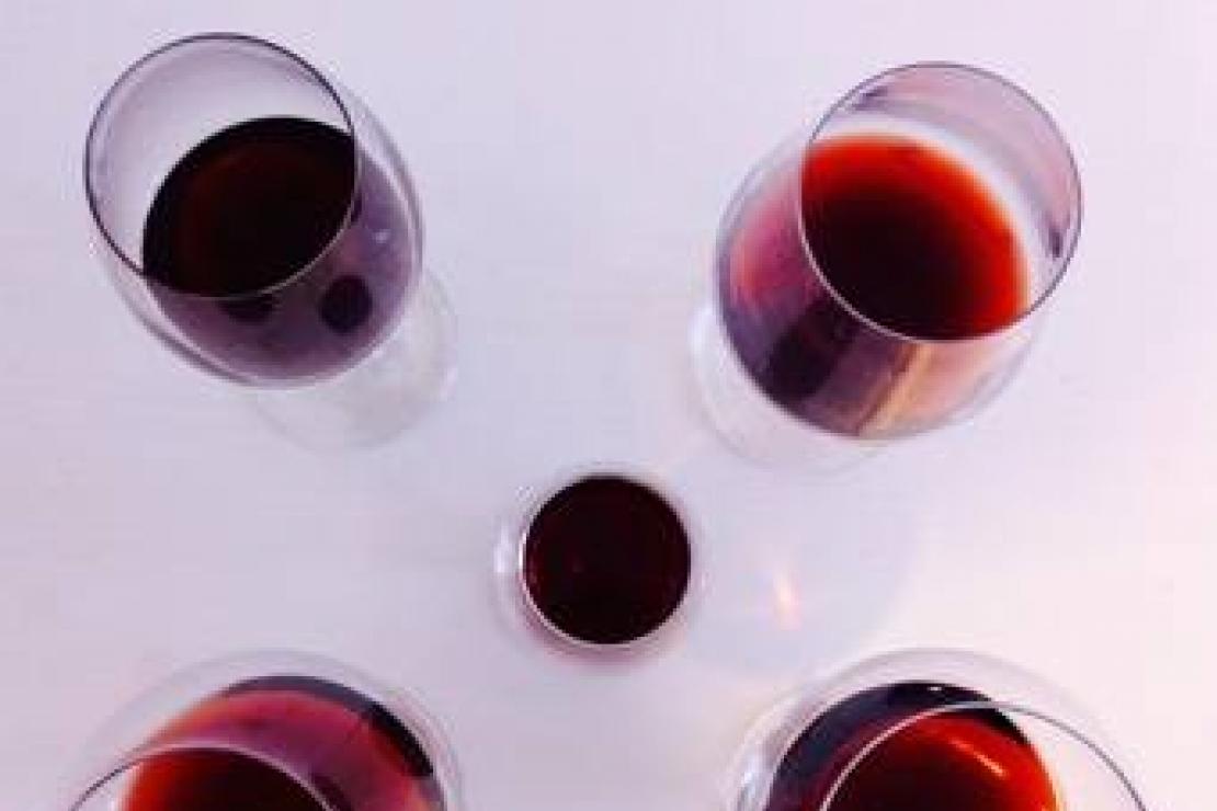 Ais Bergamo | Bicchieri diversi. Vini uguali. Sensazioni differenti