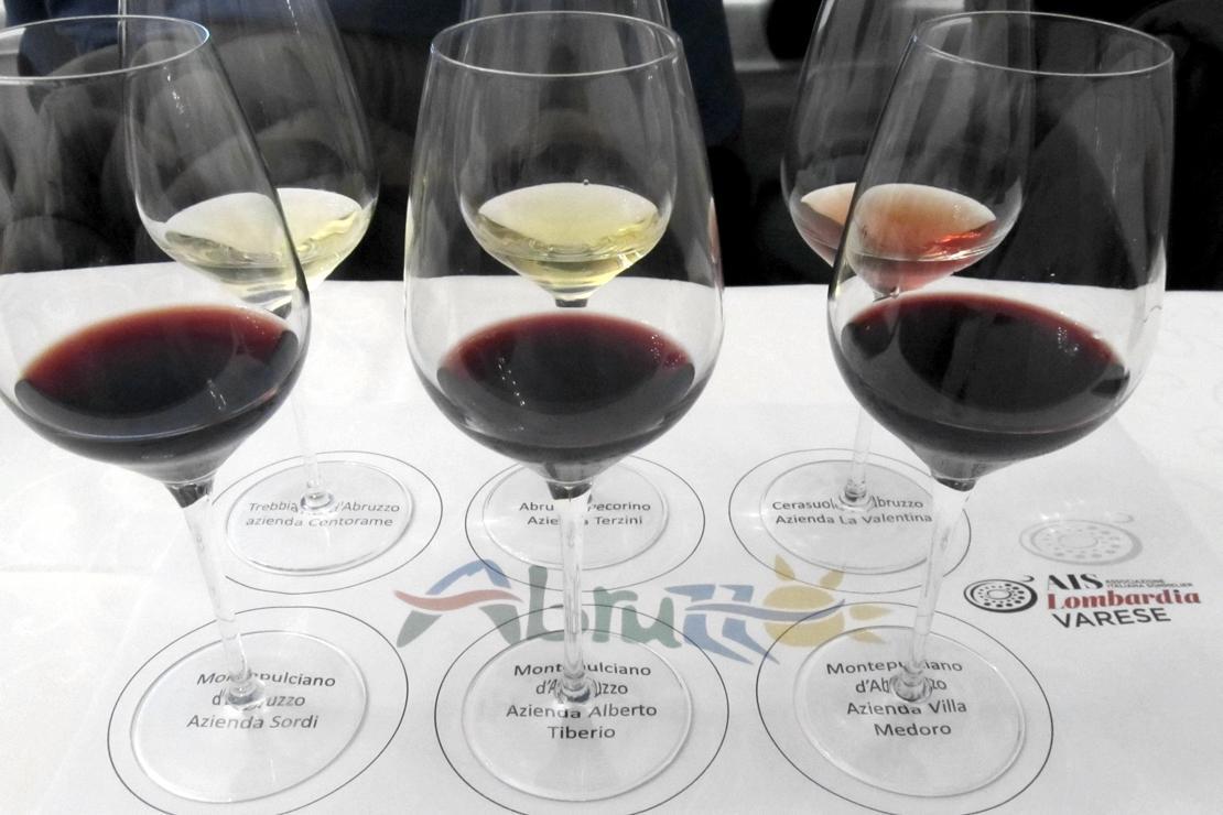 Non solo montepulciano. Viaggio tra vini, cibi e paesaggi dell'Abruzzo