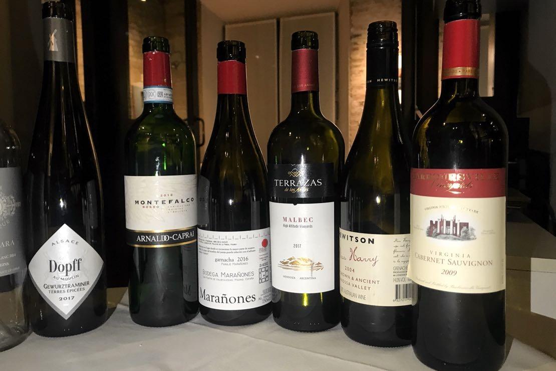 Degustazione alla cieca di vini internazionali
