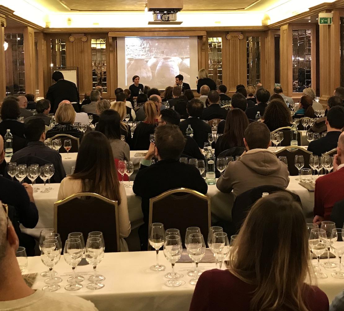 La sala del Westin Palace di Milano durante la serata Semplicemente...Gravner