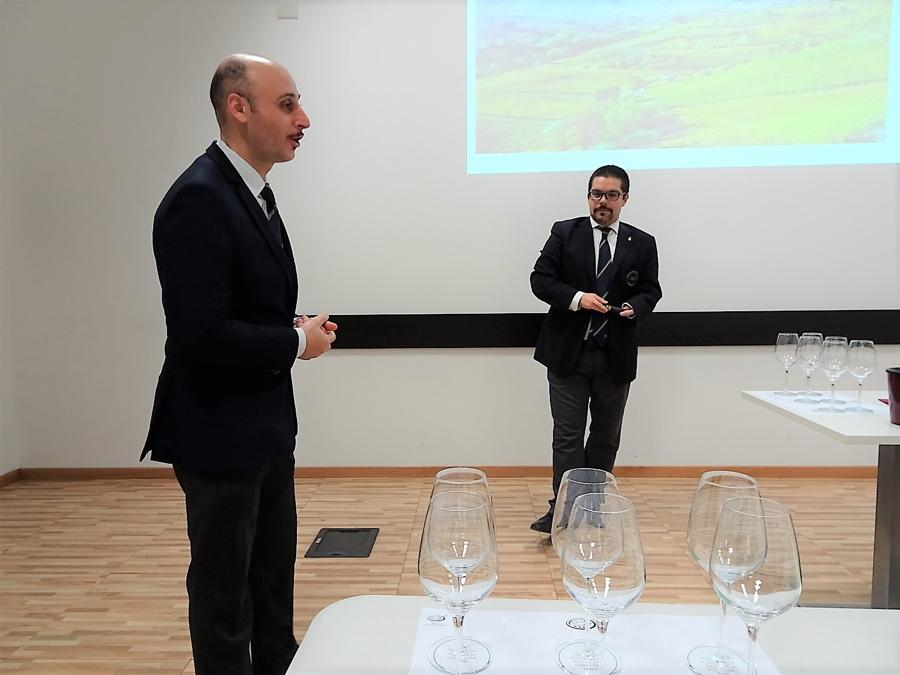 Benedetto Gareri, Delegati AIS di Pavia e Davide Gilioli, relatore della serata, sommelier e Degustatore AIS
