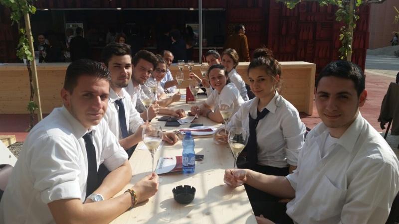 Studenti Istituto Falcone - Expo